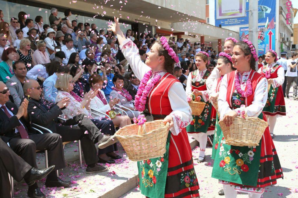 Праздник роз в Болгарии